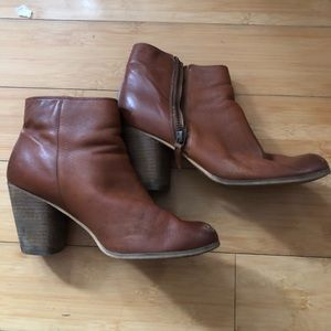b3492d0e455 bp Shoes - Camel colored leather booties